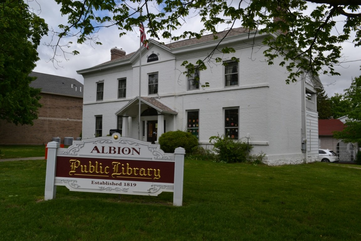 Albion Public Library (Medium)